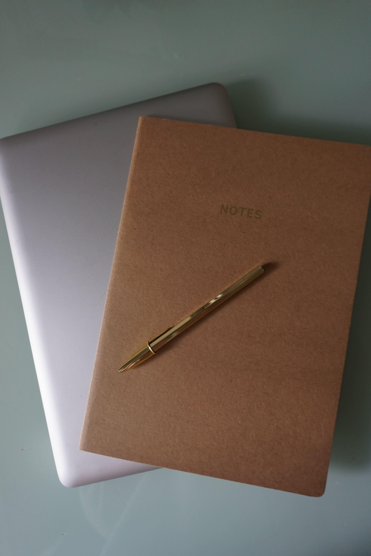 laptop-notebook-comfortable at work