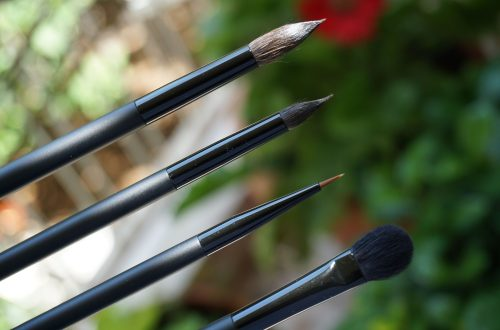 Rae Morris Brushes Unboxed