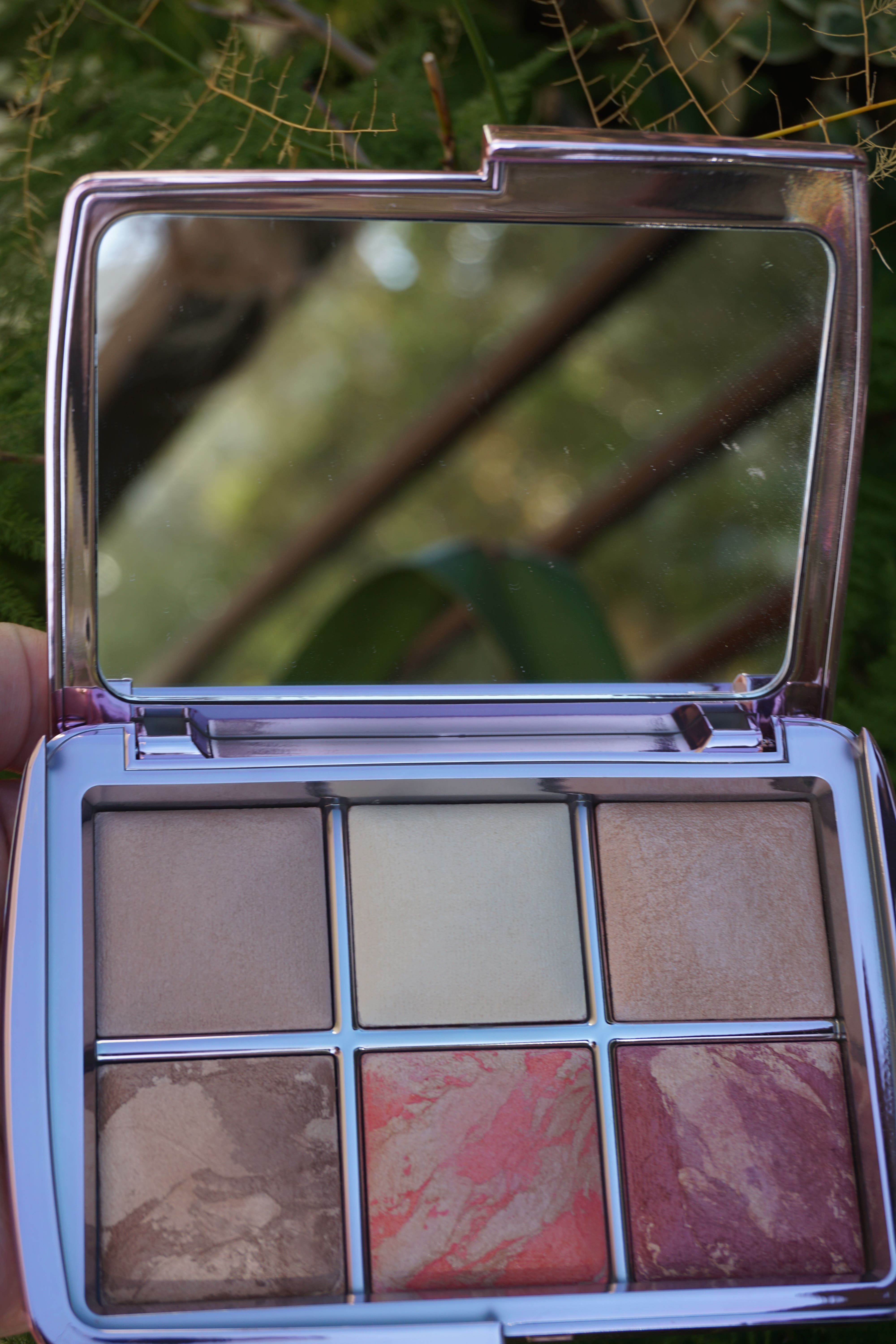 Hourglass Ambient Lighting Volume 4