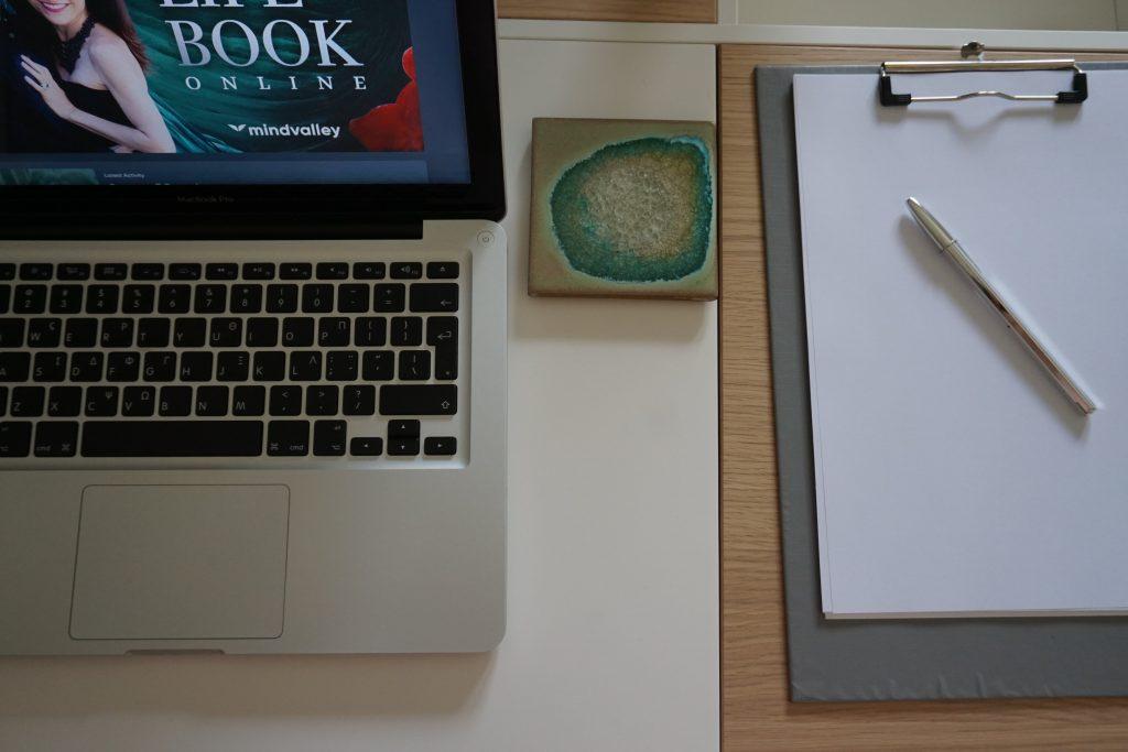 Lifebook Online Desk Image