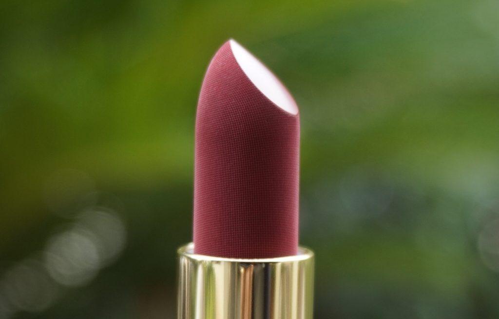 Lisa Eldridge Velvet Blush Bullet Close Up